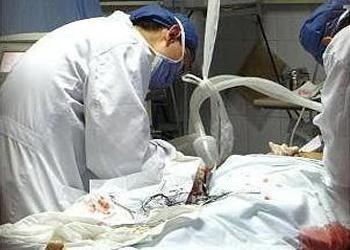 双峰21岁男子谢某1年前到双峰县红十字会医院二门诊做包皮切除术