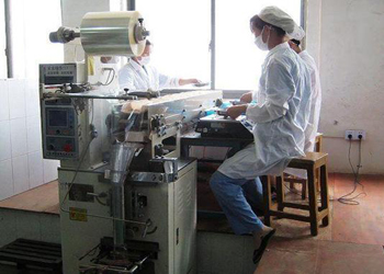 青海药监局加强中药工作质量管理生产辣椒酱大蒜图片